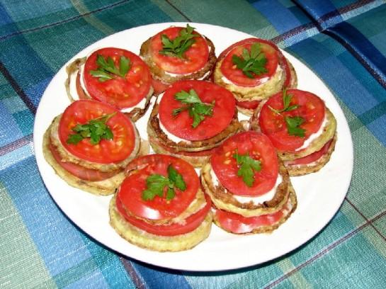 Кабачки цукіні з помідорами