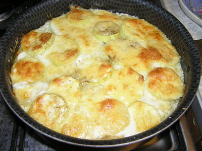 Запіканка з картоплі з кабачками цукіні