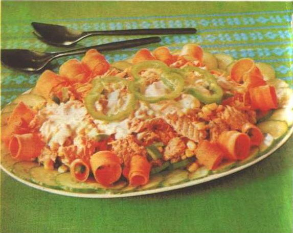 салат із лосося із солодкою кукурудзою