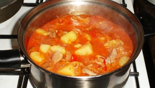 Гострий суп із картоплі