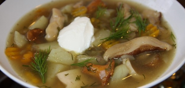 Картопляний суп зі свіжими грибами