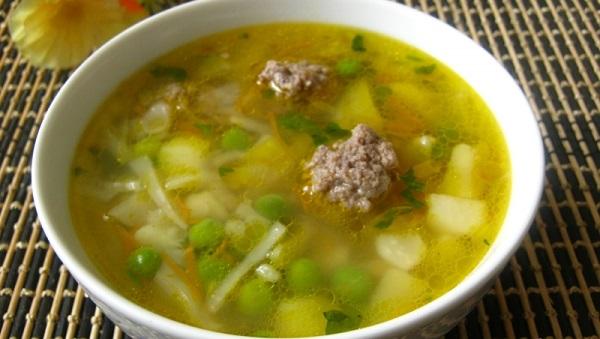 Овочевий суп із фрикадельками з яловичини