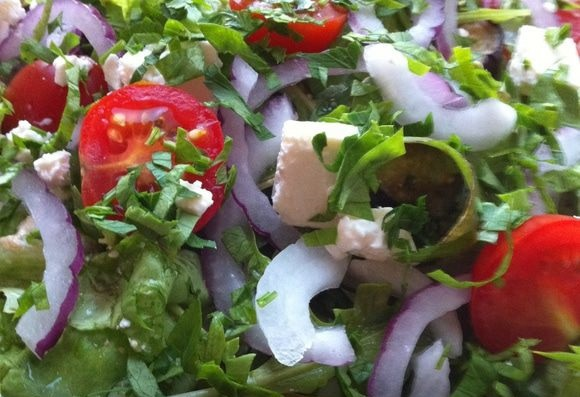 Салат з баклажанами і сиром фета