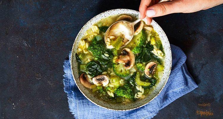 Зелений суп з рисом фото